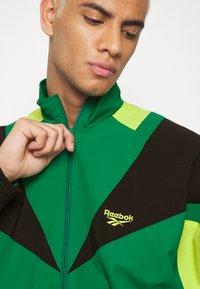 Reebok Classic - TWIN VECTOR - Veste de survêtement - green - 4