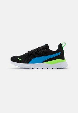 ANZARUN LITE JR UNISEX - Neutral running shoes - dresden blue/elektro green