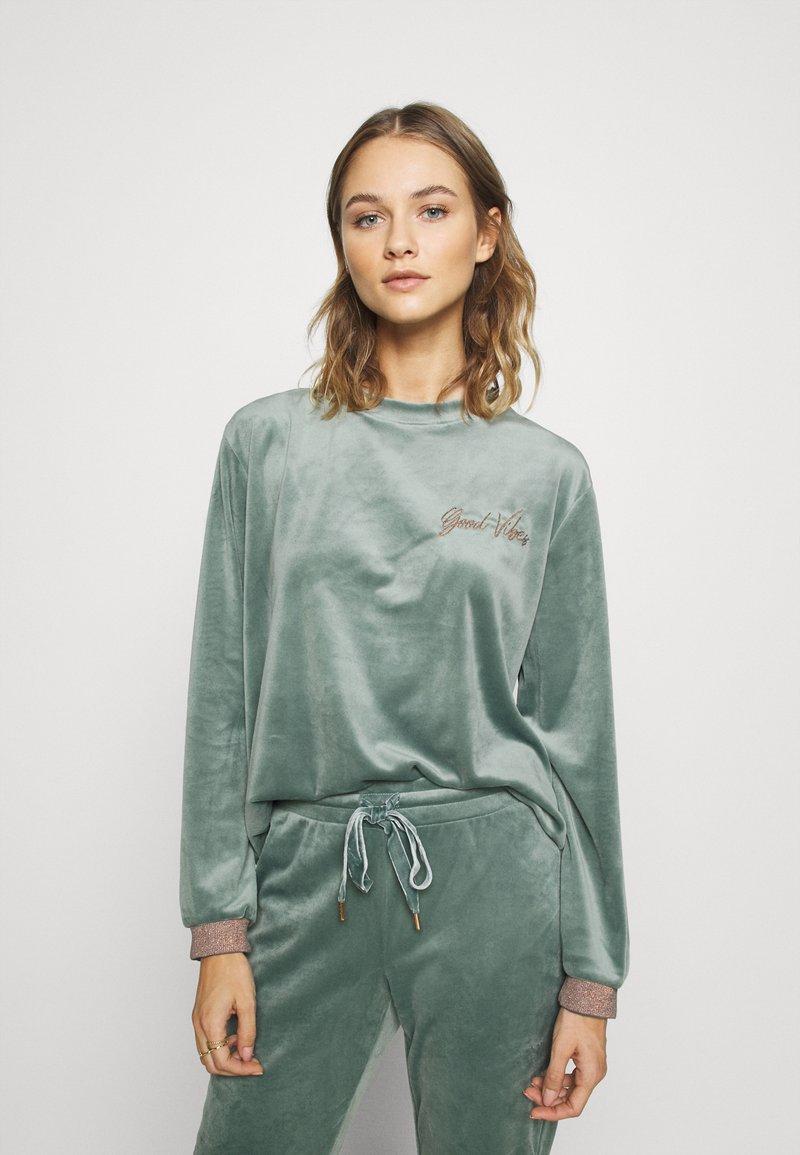 Hunkemöller - Haut de pyjama - balsam green