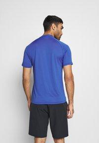 Mizuno - SHADOW - T-shirt print - mazarine blue - 2