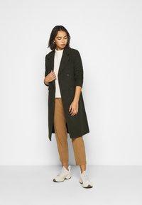 ONLY Petite - ONLLOUIE LIFE COAT - Zimní kabát - rosin - 1