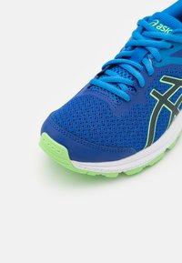 ASICS - GT-1000 10 UNISEX - Stabilty running shoes - asics blue/french blue - 5