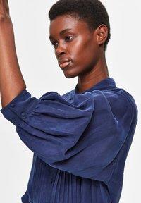 Selected Femme - Button-down blouse - maritime blue - 4