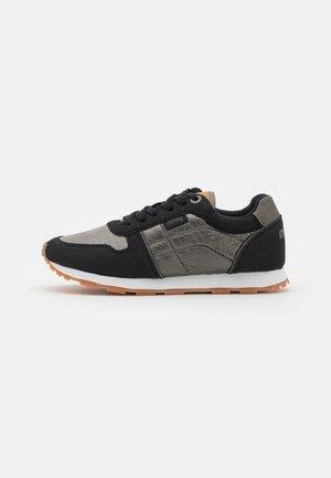 EARTH - Sneakers laag - black