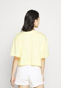 EDITED - SILA - Basic T-shirt - sunshine gelb - 2