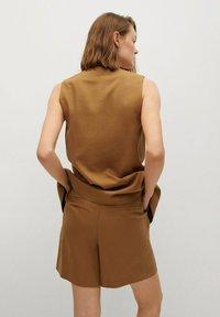 Mango - LEONARD - Shorts - light brown - 2