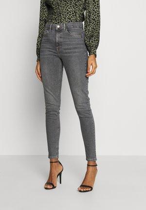 JAMIE  - Skinny džíny - grey