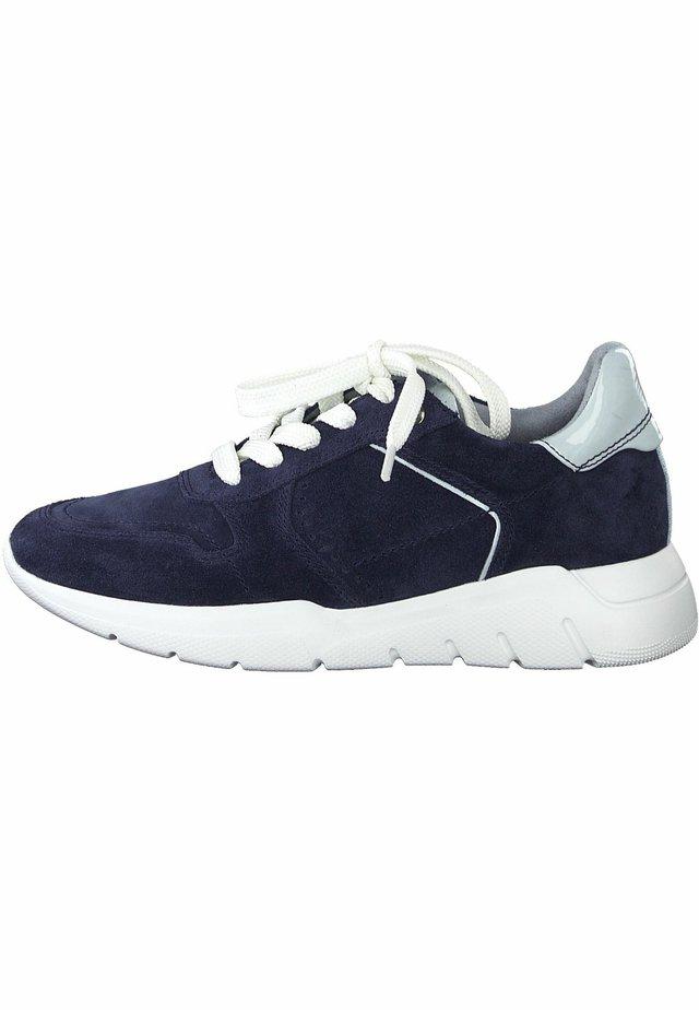 Sneakers - navy comb