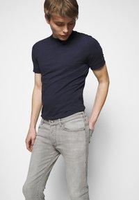 DRYKORN - JAZ - Jeans Skinny Fit - grey - 3
