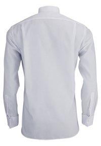 OLYMP - LUXOR MODERN FIT - Formal shirt - weiß - 2