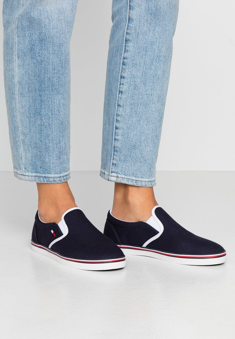 Tommy Jeans - ESSENTIAL SLIP ON SNEAKER - Loafers - twilight navy