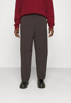 HENNESSEY RELAXED SUIT TROUSER - Pantalon classique - dark brown