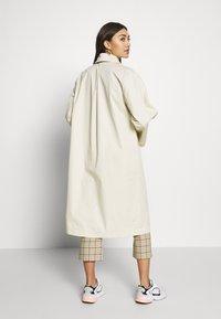 Monki - AUDREY COAT - Prochowiec - beige dusty - 2