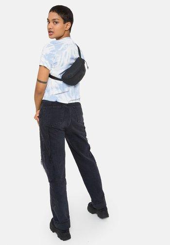 SPRINGER - Bum bag - surfaced black
