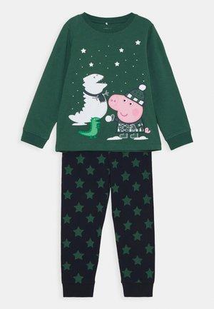 NMMPEPPAPIG MAATEN NIGHT SET - Pyjama - bistro green