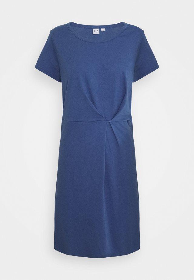 PLEAT WAIST - Sukienka letnia - chrome blue