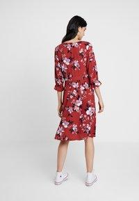 Vero Moda - VMREEDA V NECK DRESS - Day dress - cowhide - 2
