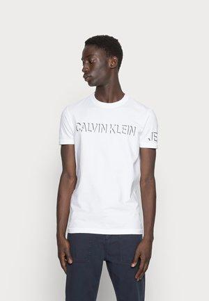 SHADOW LOGO TEE - T-shirt print - bright white