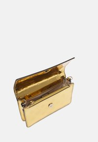 Guess - WALK OF FAME MINI XBODY FLAP - Across body bag - gold - 3