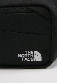 The North Face - BOZER HIP PACK UNISEX - Sac banane - black/high rise grey - 6