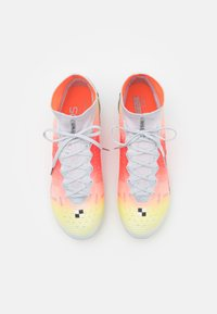 Nike Performance - MERCURIAL DREAM SPEED 8 ELITE FG - Moulded stud football boots - white/metallic silver/pure platinum - 3