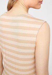 comma - Top - beige stripes - 4