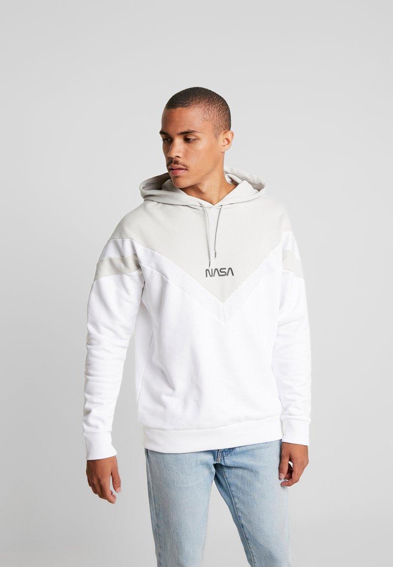 Puma - SPACE AGENCY HOODY - Hoodie - puma white