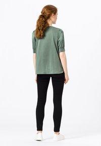 HALLHUBER - Print T-shirt - seegrün - 1