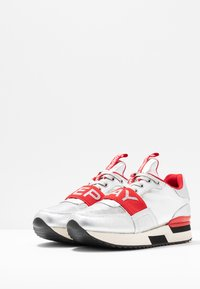 Replay - MEW - Trainers - silver/red - 4