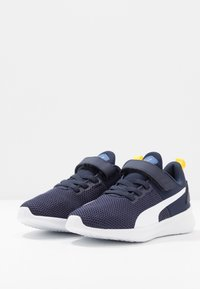 Puma - FLYER RUNNER UNISEX - Neutral running shoes - galaxy blue/white/peacoat/meadowlark - 3