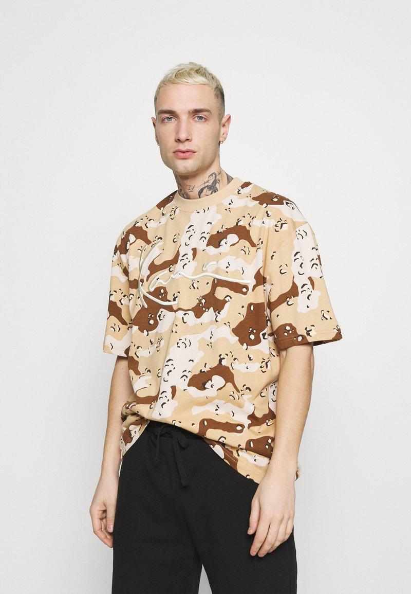 Karl Kani - T-shirt med print - sand