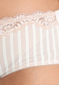 City Chic - FIFI SHORTY - Briefs - ivory - 4
