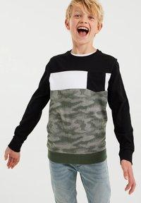 WE Fashion - MET DESSIN - Top sdlouhým rukávem - green - 1