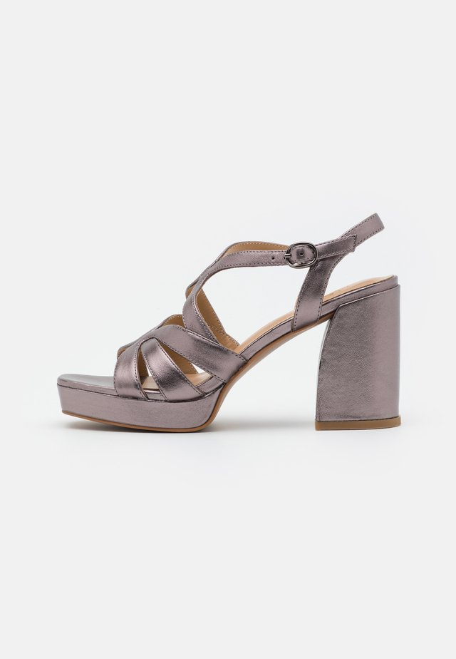 Sandalen met plateauzool - pewter