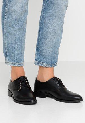 PRIME DERBY SHOE - Šněrovací boty - black