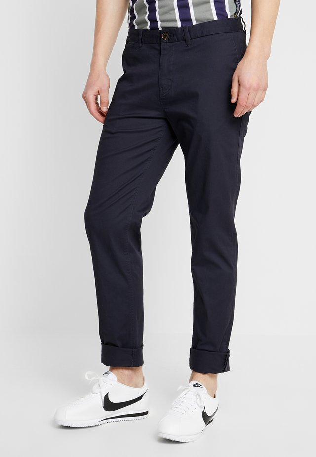 STUART CLASSIC SLIM FIT - Chinos - night