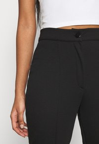 Even&Odd - KICKFLARE BITTON UP TROUSER - Trousers - black - 5