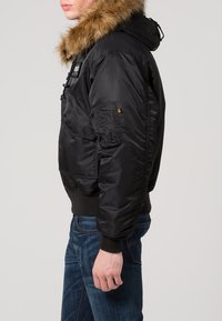 Alpha Industries - HOODED CUSTOM - Light jacket - black/reflective - 3