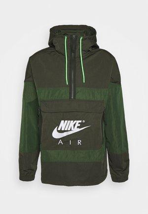 AIR ANORAK - Vindjacka - sequoia/carbon green/white