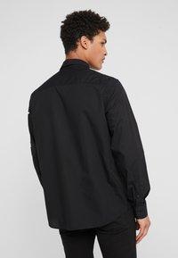 Versace Jeans Couture - CAMICIE UOMO - Skjorta - nero - 2