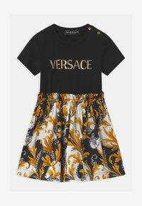 Versace - ABITO - Žerzejové šaty - nero/oro - 0