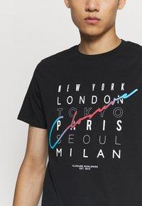 CLOSURE London - CITY TEE - Print T-shirt - black - 3