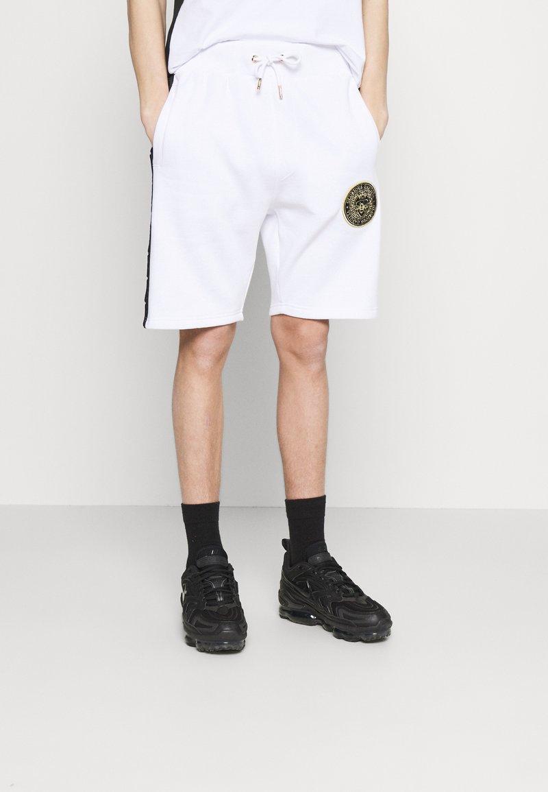 Glorious Gangsta - ALFARO - Shorts - optic white