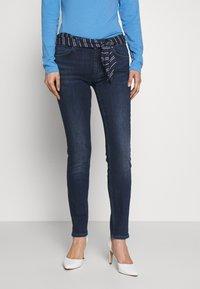 Marc O'Polo - DENIM TROUSER MID WAIST SLIM LEG REGULAR LENGTH BELT SCARF - Slim fit jeans - dark blue wash - 0