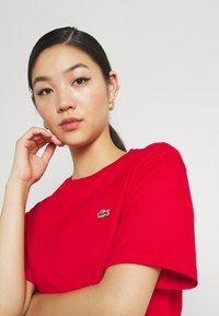 Lacoste - Basic T-shirt - rouge - 3