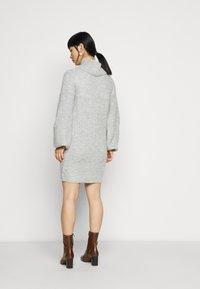 Miss Selfridge Petite - COSY ROLL NECK MINI DRESS - Pletené šaty - grey - 2