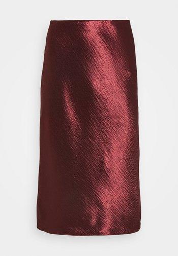 BIAS MIDI SLIP SOLID SHINE - Pencil skirt - burnt caramel