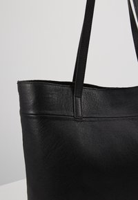 Zign - LEATHER - SHOPPING BAG / POUCH SET - Torba na zakupy - black - 2