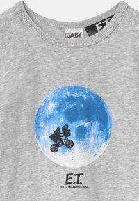Cotton On - UNIVERSAL LONG SLEEVE UNISEX - Pyjamas - cloud - 2