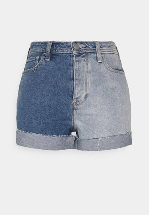 MOM TWO TONE ROLL  - Denim shorts - two toned raw cut cuff